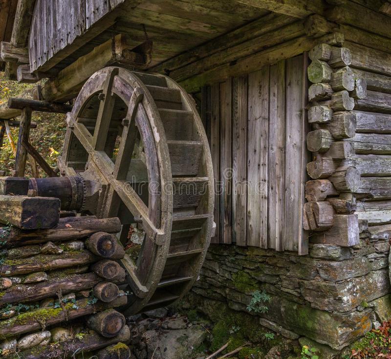 Старинная бумажная мельница